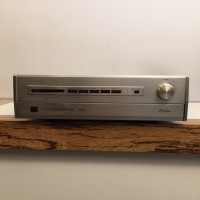 Accuphase C-222